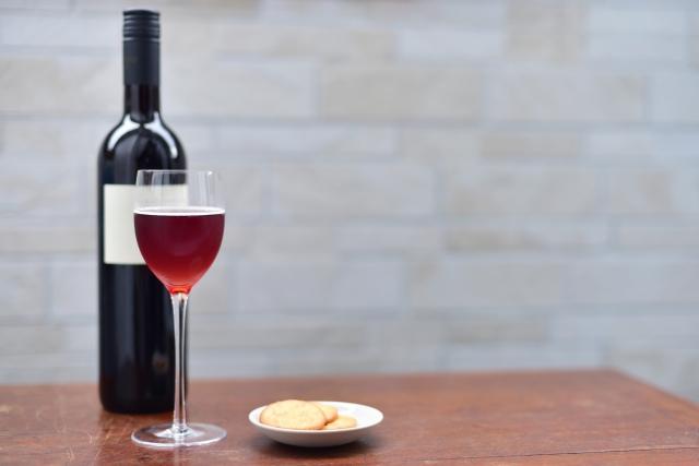 お酒好きの方必見!~虫歯とアルコールの関係性について~