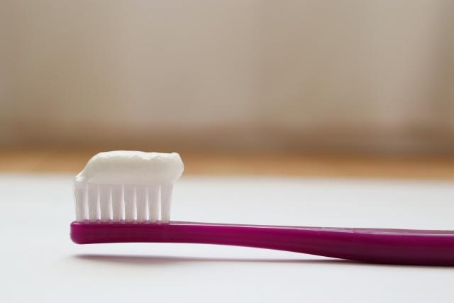 天然成分を使用した歯磨き粉のメリット・デメリットについて
